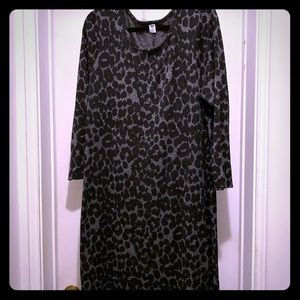 Old Navy black and gray leopard knit jersey dress.